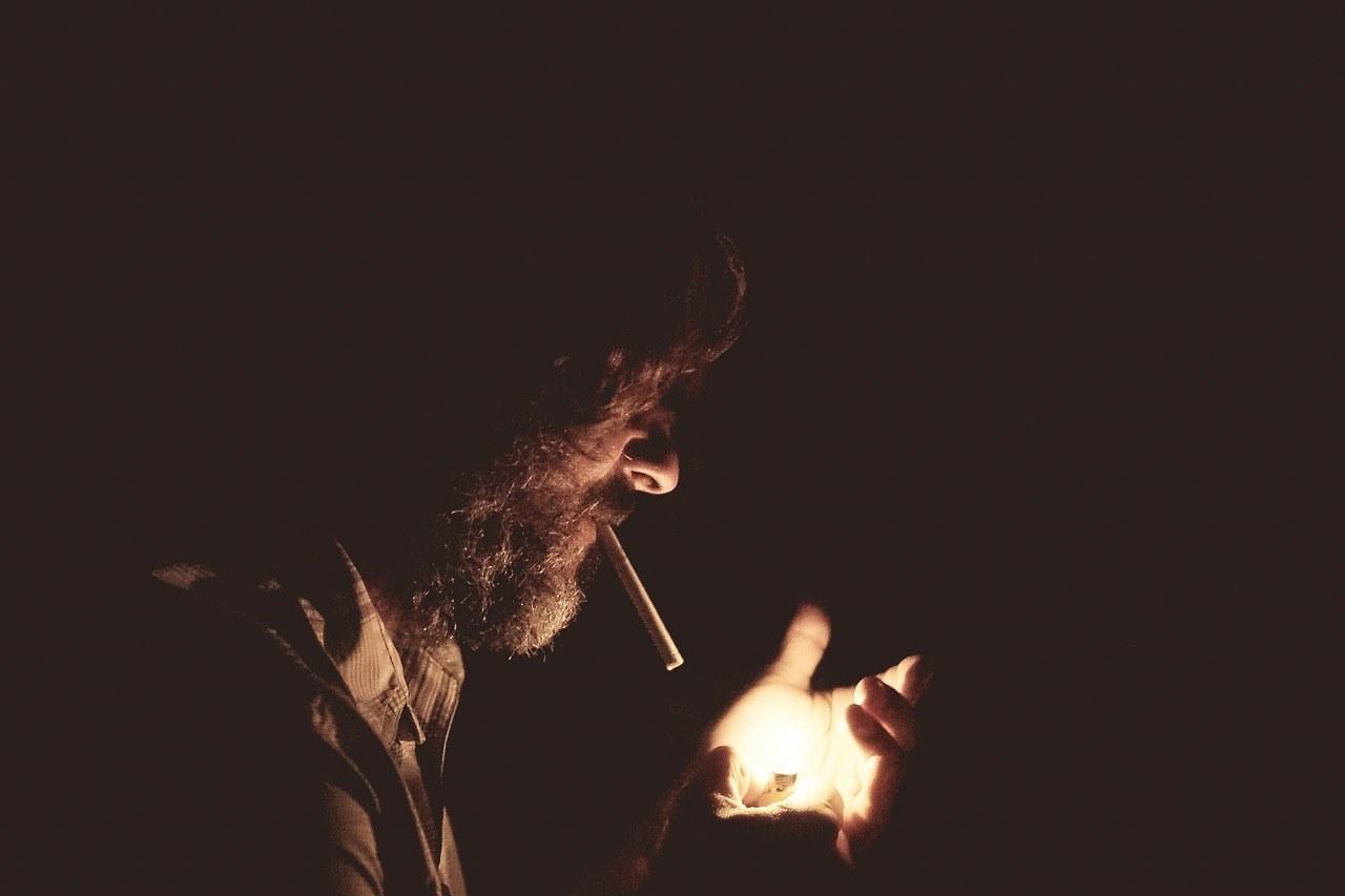 smoking-918884_1280.jpg#asset:57